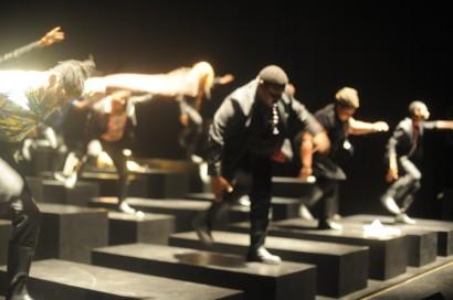 Requiem-Les-Ballets-C-de-la-B-©-Chris-Van-der-Burght-1